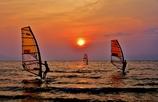 夕景のウィンドサーフィン