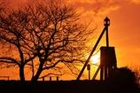 朝焼けの出島灯台