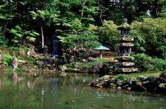 昔は蓮池庭、今は瓢池そして兼六園発祥の地