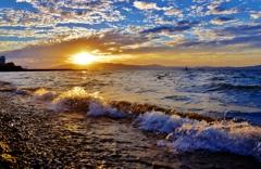 秋夕の波打ち