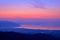 夜明けの奥琵琶湖