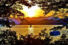 夕景の沖島通船