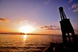 出島灯台の朝日