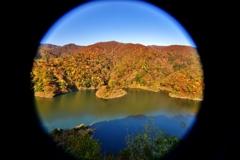 晩秋の白龍湖