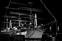 帆船海王丸夜景