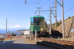 江ノ電(富士と海)