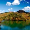 錦秋の奥多摩湖