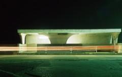 深夜のバス停