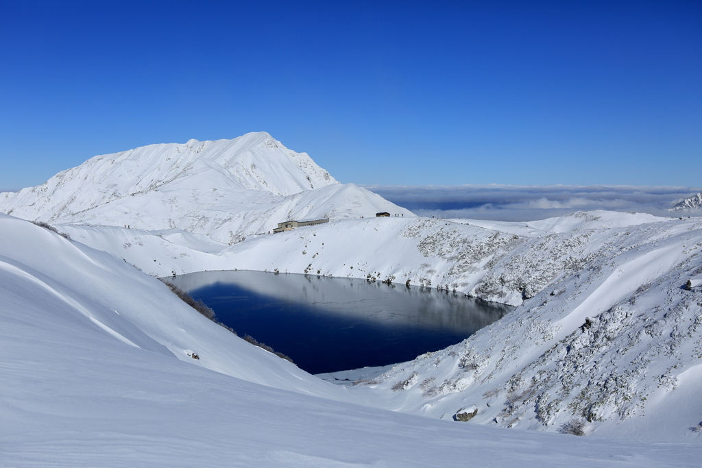雪景色のミクリガ池