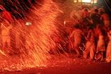 襲いかかる火の粉