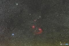 ぎょしゃ座の散開星団と勾玉星雲
