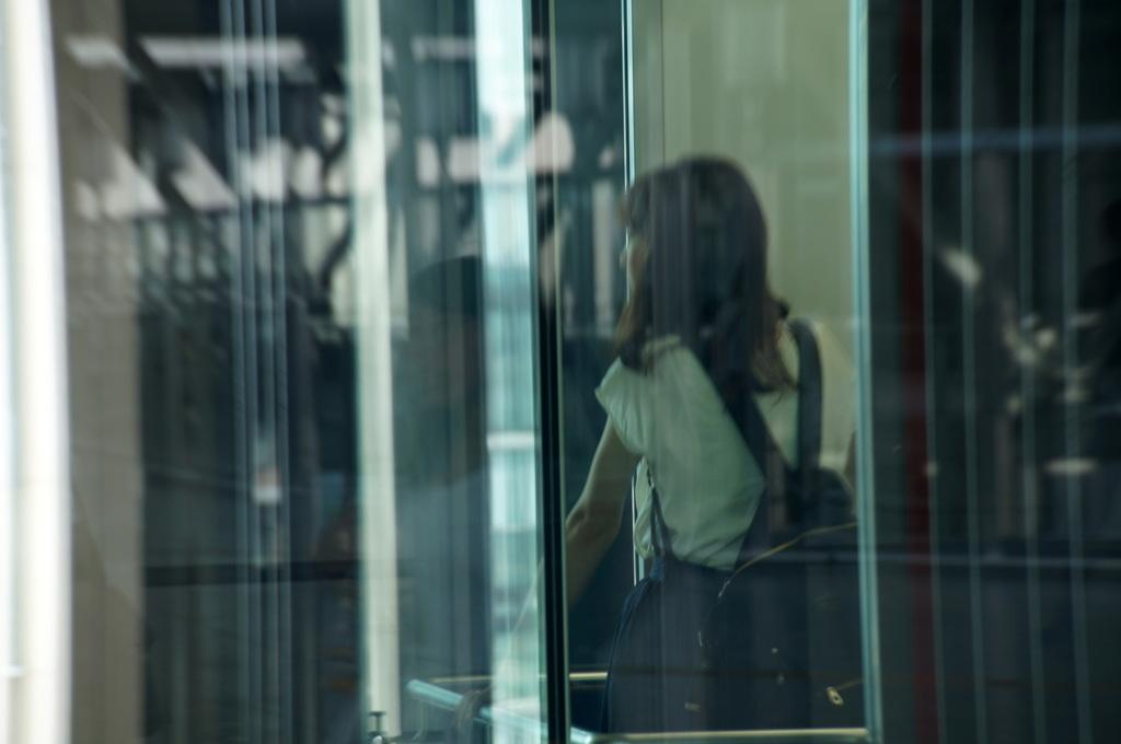エレベーターのすれ違い
