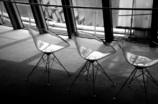 午後の椅子たち