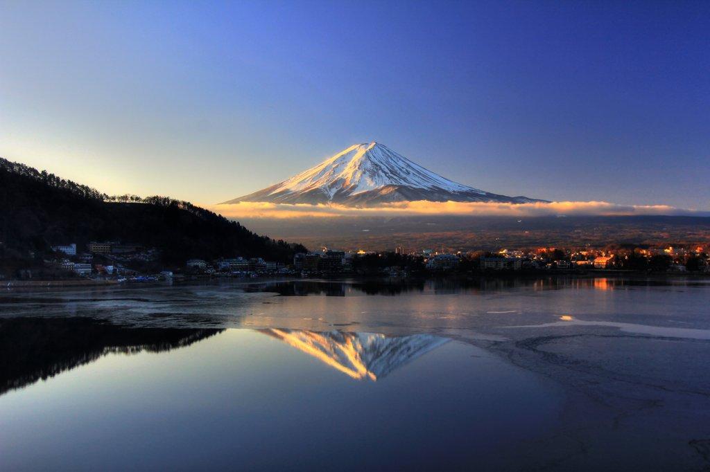 河口湖の日の出 with 富士山
