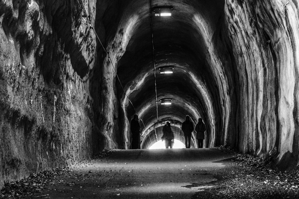 素掘りトンネル