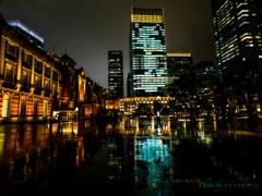 雨の東京Station..