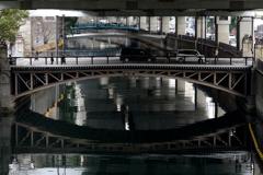 映る谷戸橋