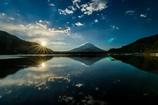 鏡の世界の朝