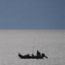 支笏湖の釣り人