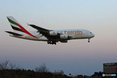 ✈エミレーツ航空 A380-861 A6-EUE ☮到着
