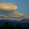 富士と吊し雲