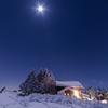 月夜の山小屋