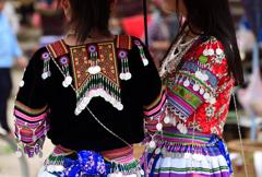 ベトナム少数民族の華麗な衣装