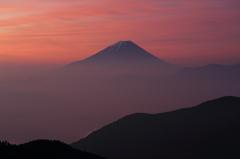 緋色のしじま③ 富士三昧121 池の茶屋林道