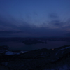 夜明け前の湖