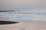 暮れゆく浜の景色