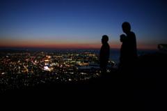 小文字山で夜景を眺める