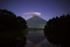 月夜の笠雲2