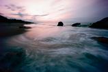 夜明けの波