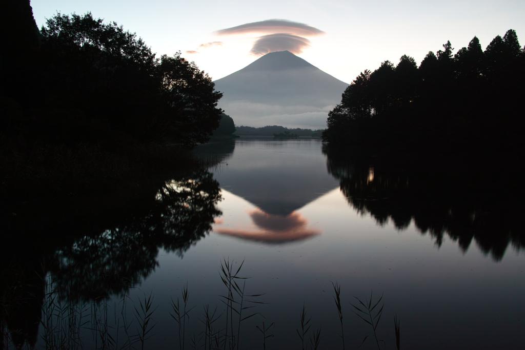 逆さ笠富士
