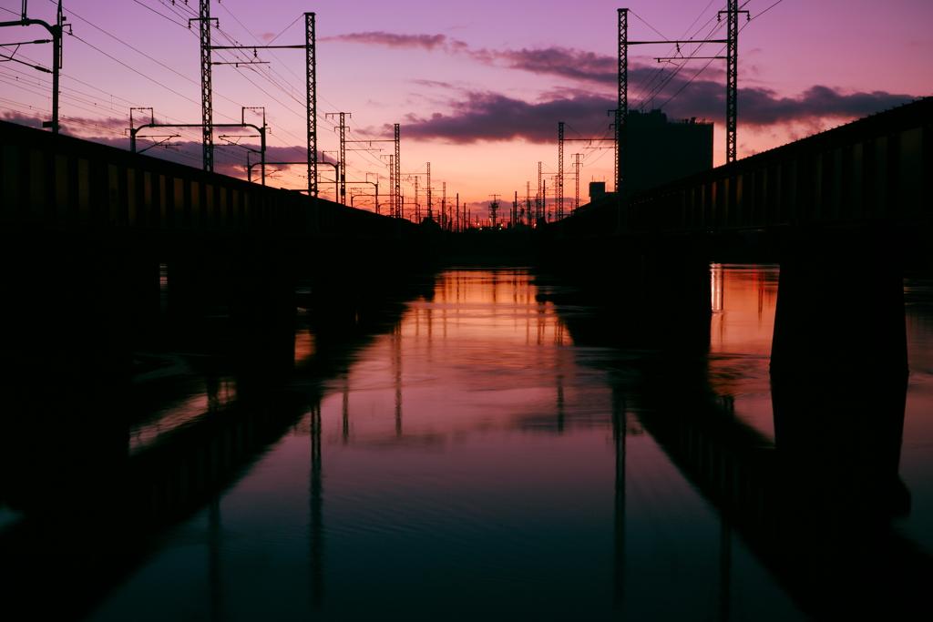 橋の間の夜明け