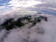 雲の上を散歩 Dji Phantom2 Vision+
