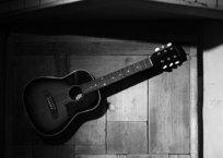 壁掛けのギター