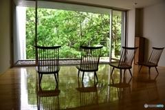 椅子のある風景