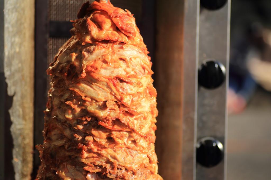 ケバブの肉塊。一度かぶりつきたい