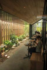 小江戸川越のスターバックス その6 中庭左側