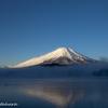 朝霧漂う山中湖
