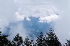 雲の隙間から見る風景