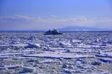 砕氷船から見た砕氷船