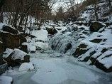 厳冬山鶏滝 2