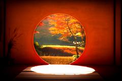 円窓の朝 II