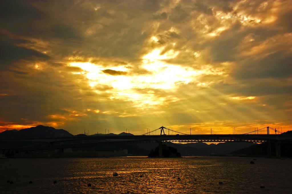 小鳴門海峡の夕暮れ