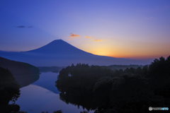 夜明け富士