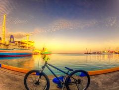 朝焼けの港2