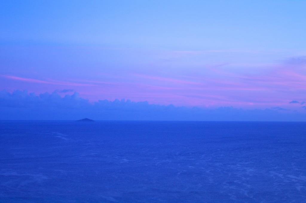 夜明け前 大神島