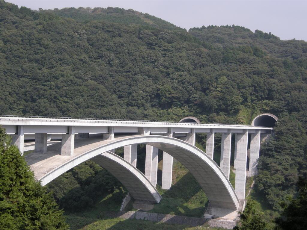 新東名富士川橋